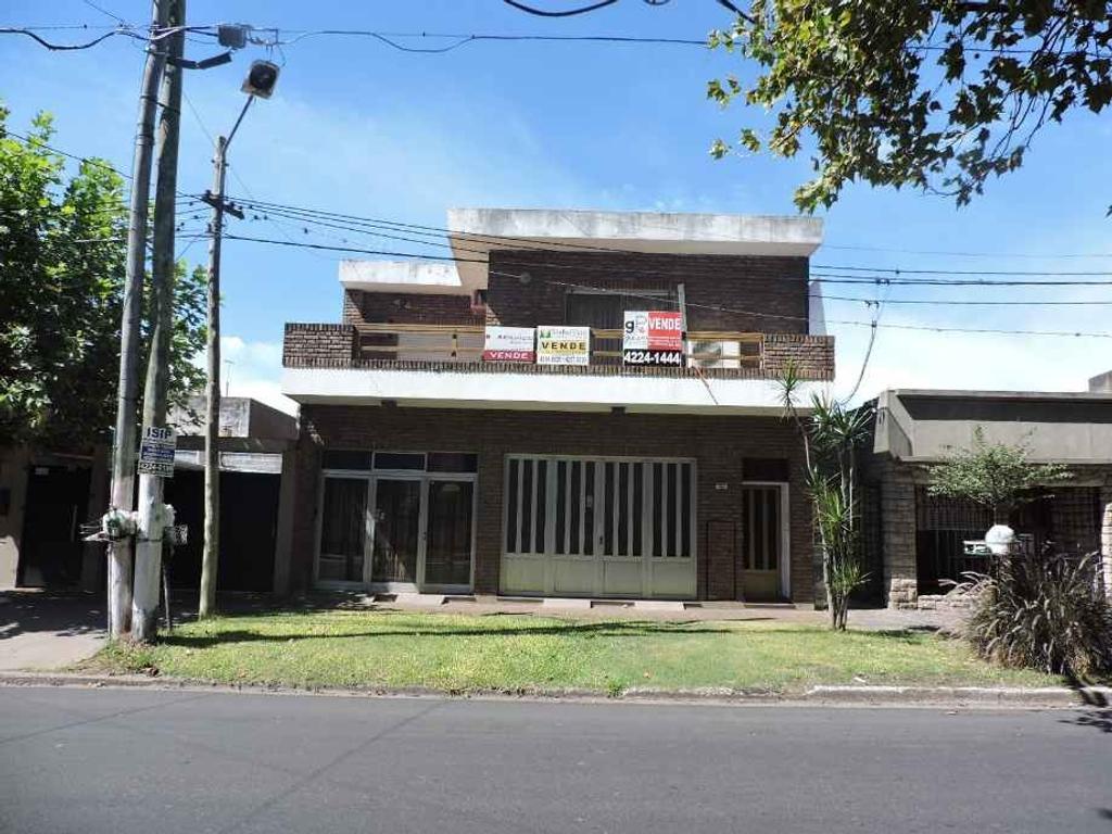 En zona barrio de Quilmes Oeste Centro venta de casa de 3 ambientes