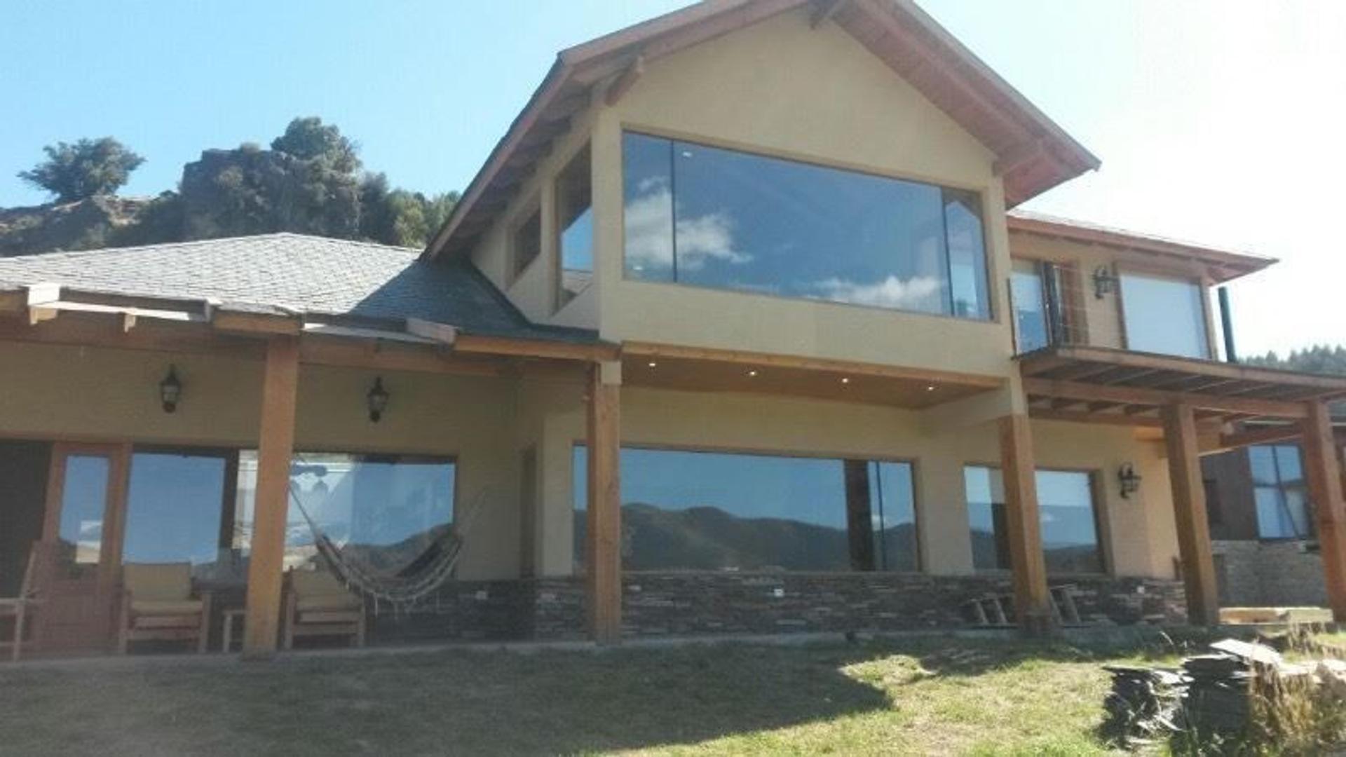 """Muy buena Casa amueblada a estrenar,, excelentes vistas en """"Peñon del Lolog"""" !!!"""