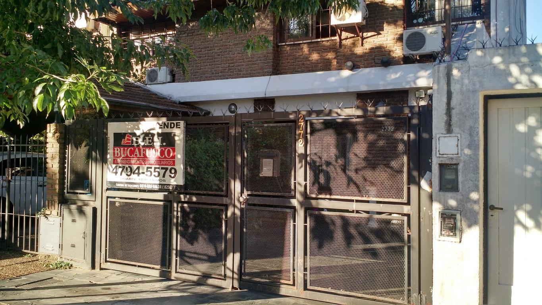 Duplex  5 amb-  Barrio Unicenter- A 2 cuadras de Panamericana-Lote  5 x 26,79 / 32,69-mts