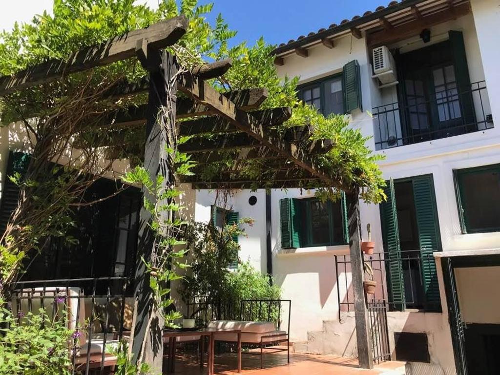 Lindisima casa en alquiler BAJO de San Isidro! 4 dormitorios, jardin y pileta!