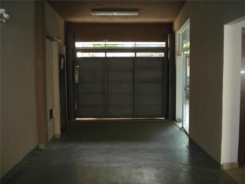 Departamentos de 2 Ambientes Contrafrente con cochera - Foto 17