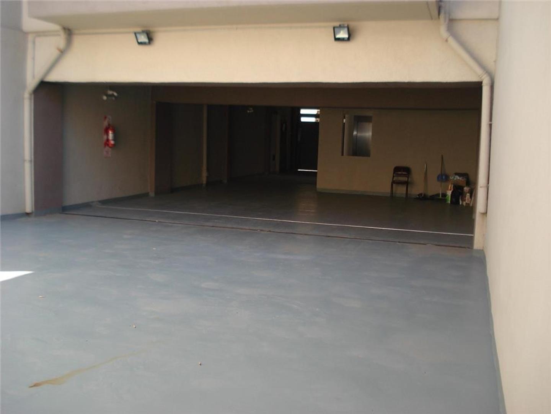 Departamentos de 2 Ambientes Contrafrente con cochera - Foto 18