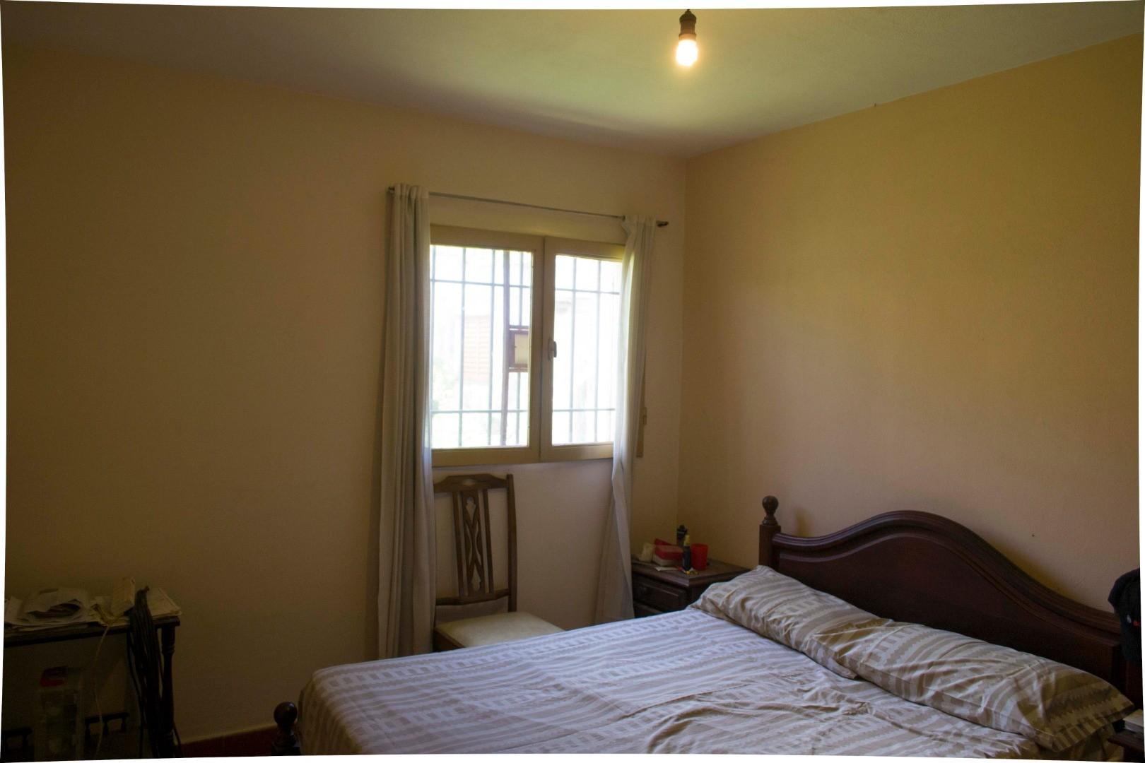 Casa - 130 m²   4 dormitorios   2 baños