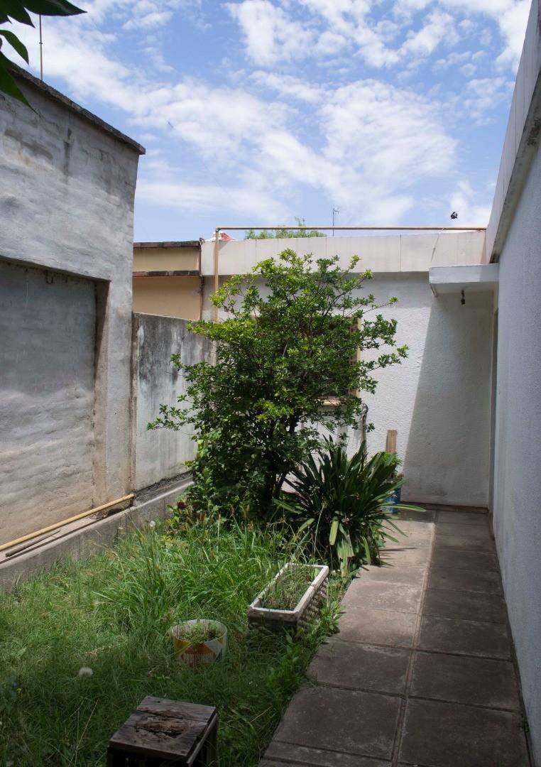 Casa en Venta - 6 ambientes - USD 105.000