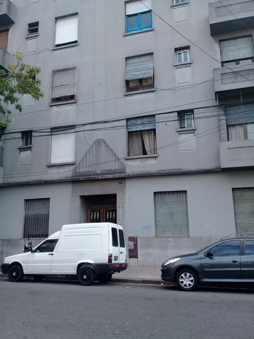 DEPARTAMENTO 2 AMBIENTES EN VENTA, CONSTITUCION.