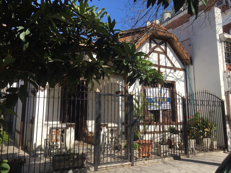Casa Estilo Inglés sobre Lote Propio