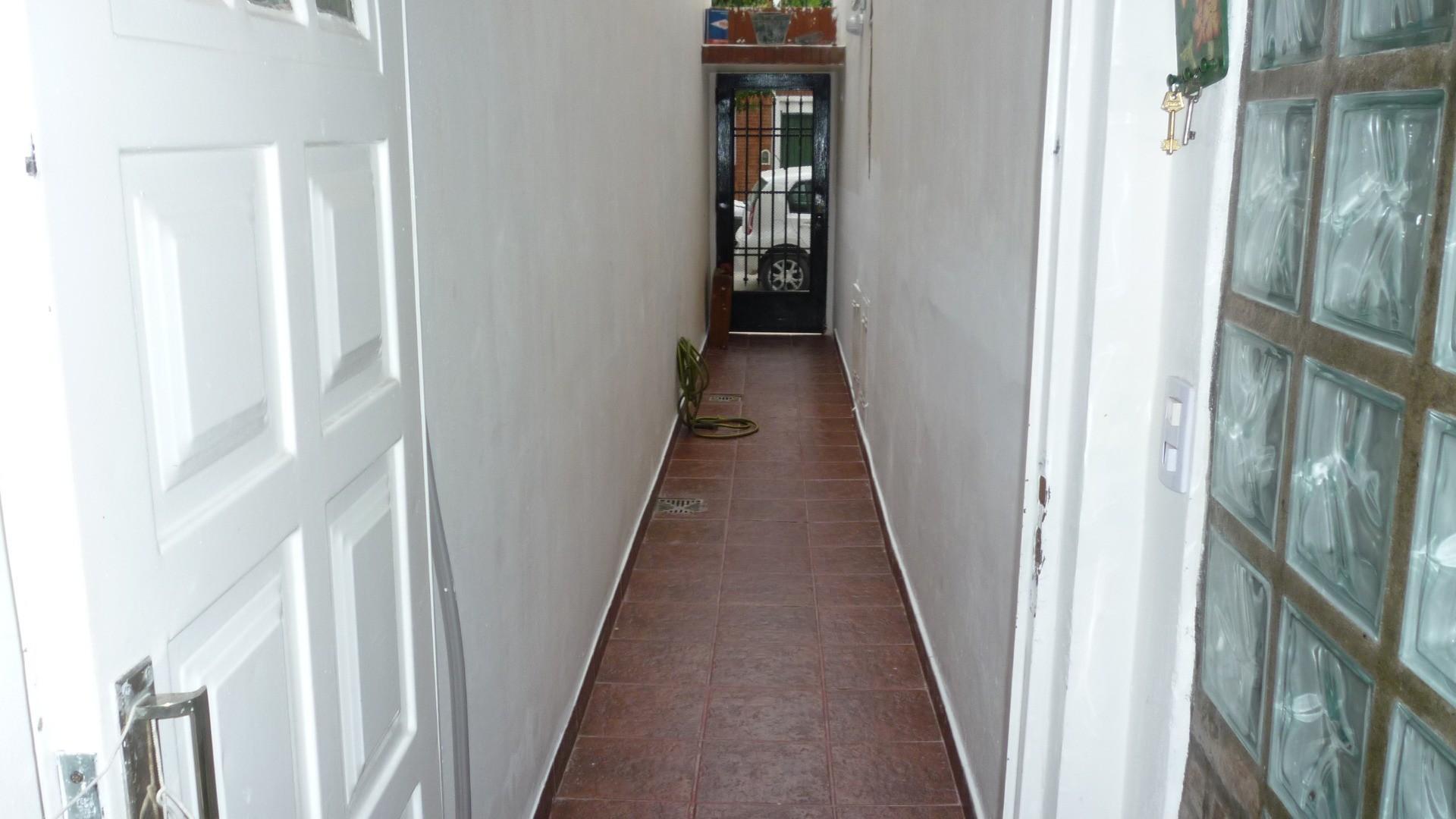 Vendo PH en Villa Urquiza 4 amb., 2 baños, entrada independiente sin expensas