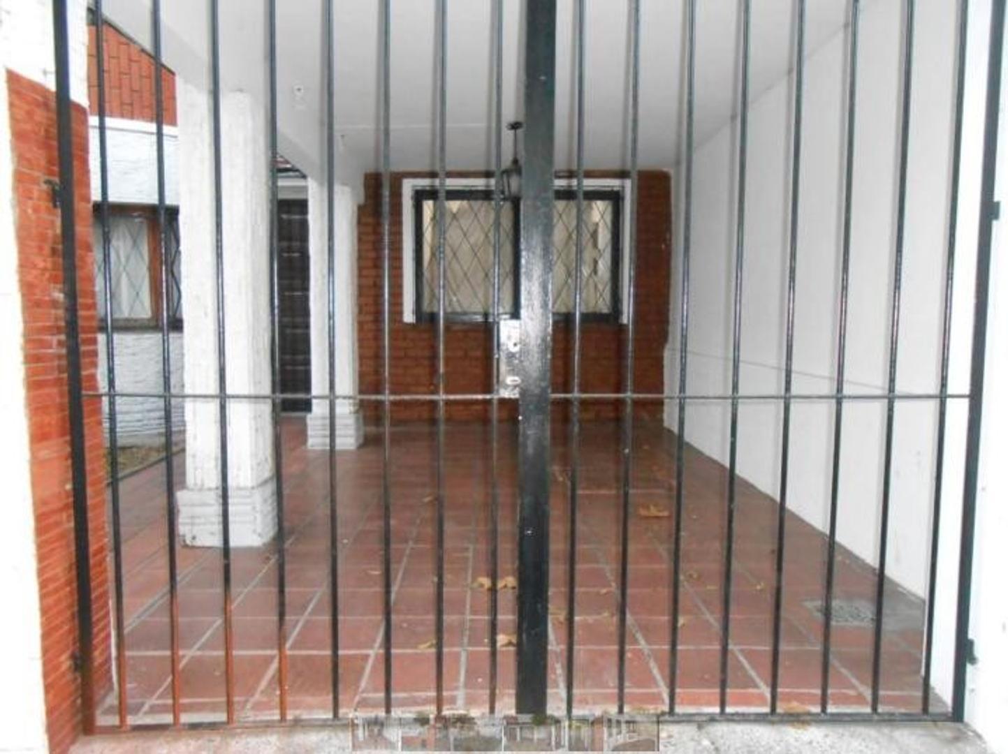 Casa en Venta en Liniers - 4 ambientes
