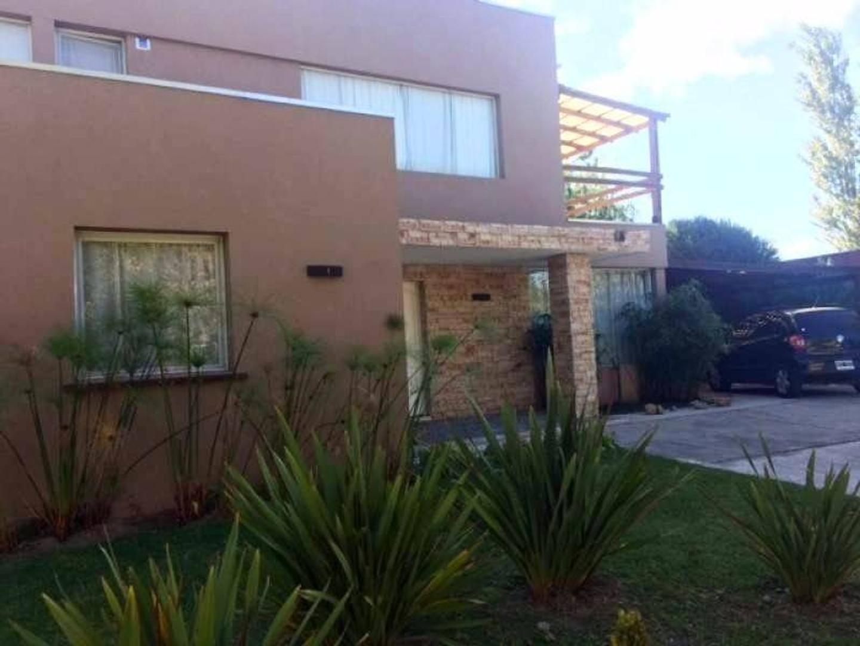 Casa con amarra!!! a la venta en el barrio San Isidro Labrador, Villa Nueva, Tigre, IMPECABLE!!!