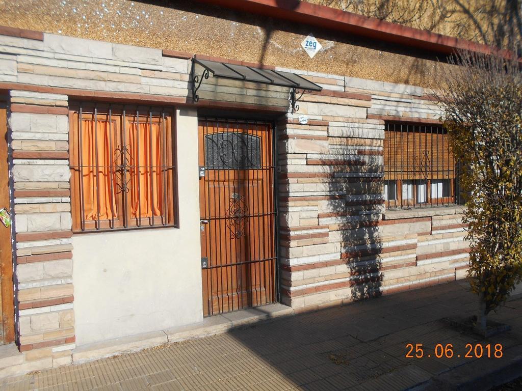 PH, amplio 3 dormitorios, baño, toilette, terraza. CREAR 4381-0381