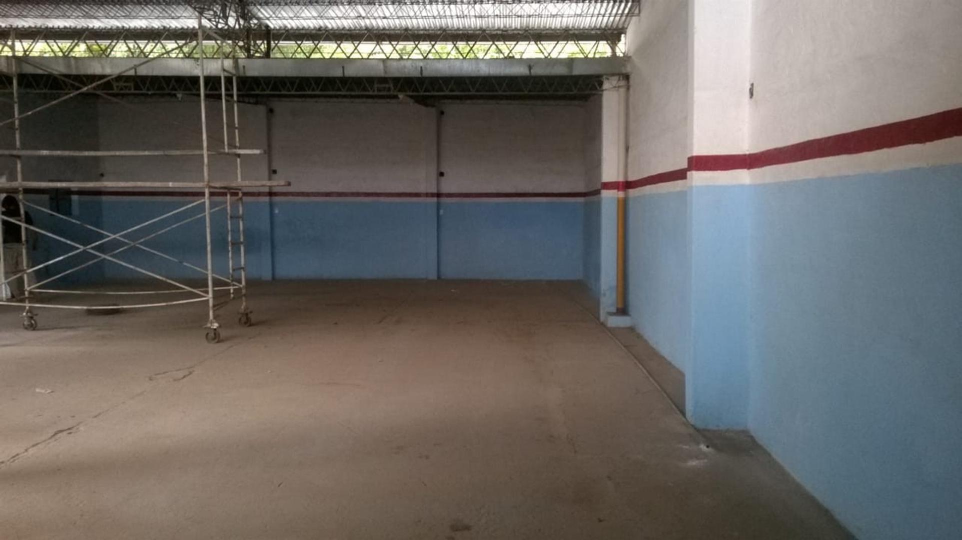 Galpon - 1.000 m²   15 m