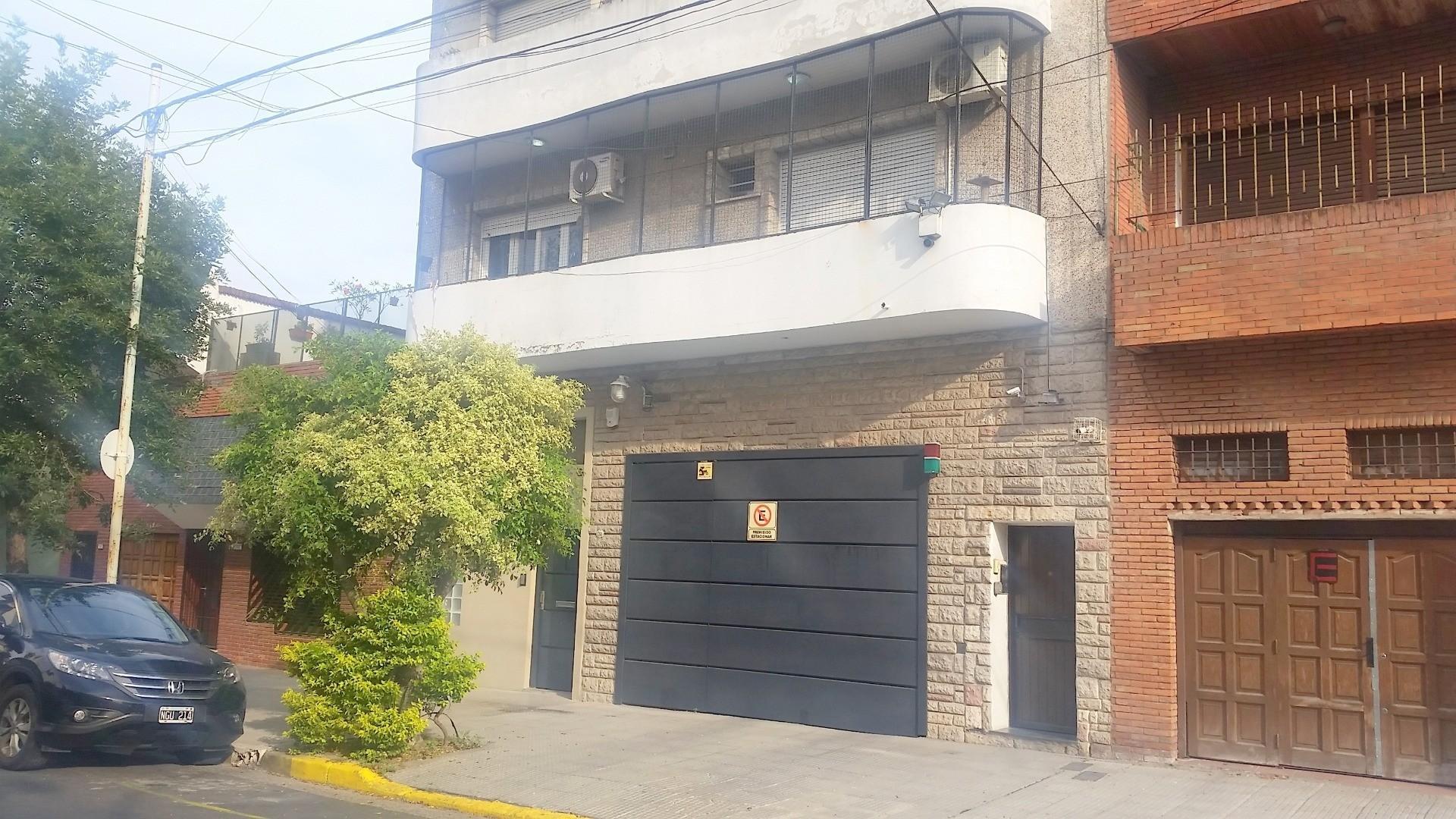 Balbastro 1700 PIso/Casa/PH. 187 m2. 4/5 amb. 3 dorm. 2 baños. Escr. Terraza Parrilla y Quincho