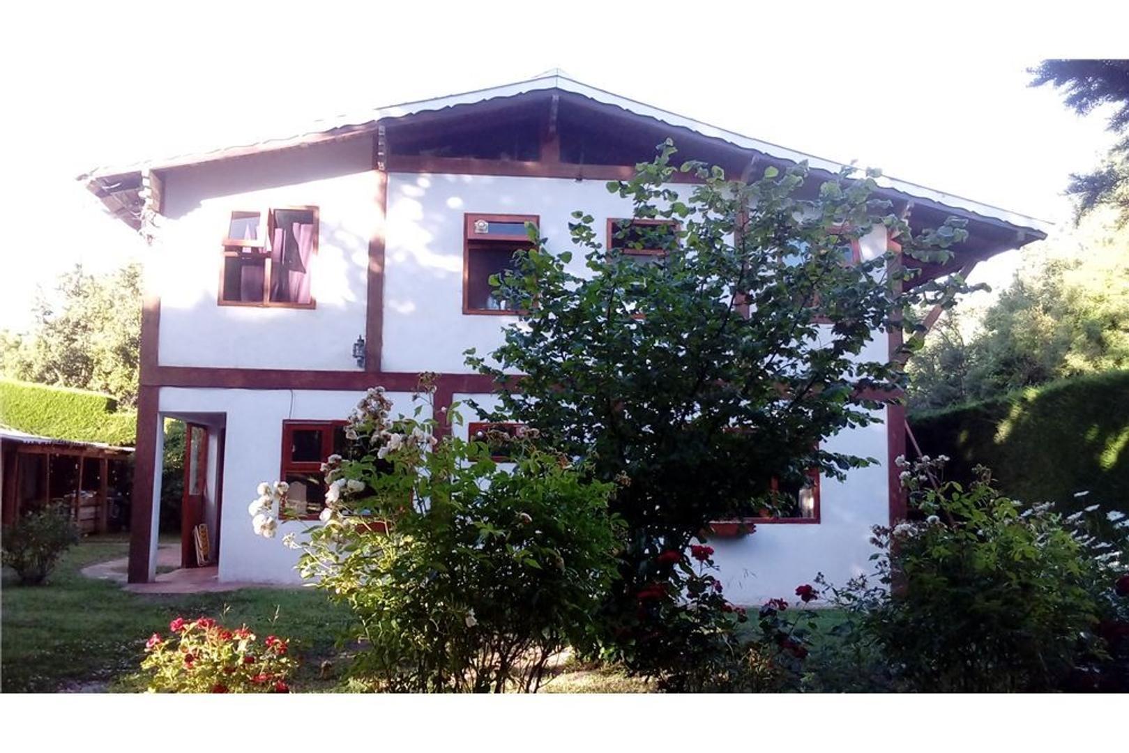 Hermosa casa sobre calle 6