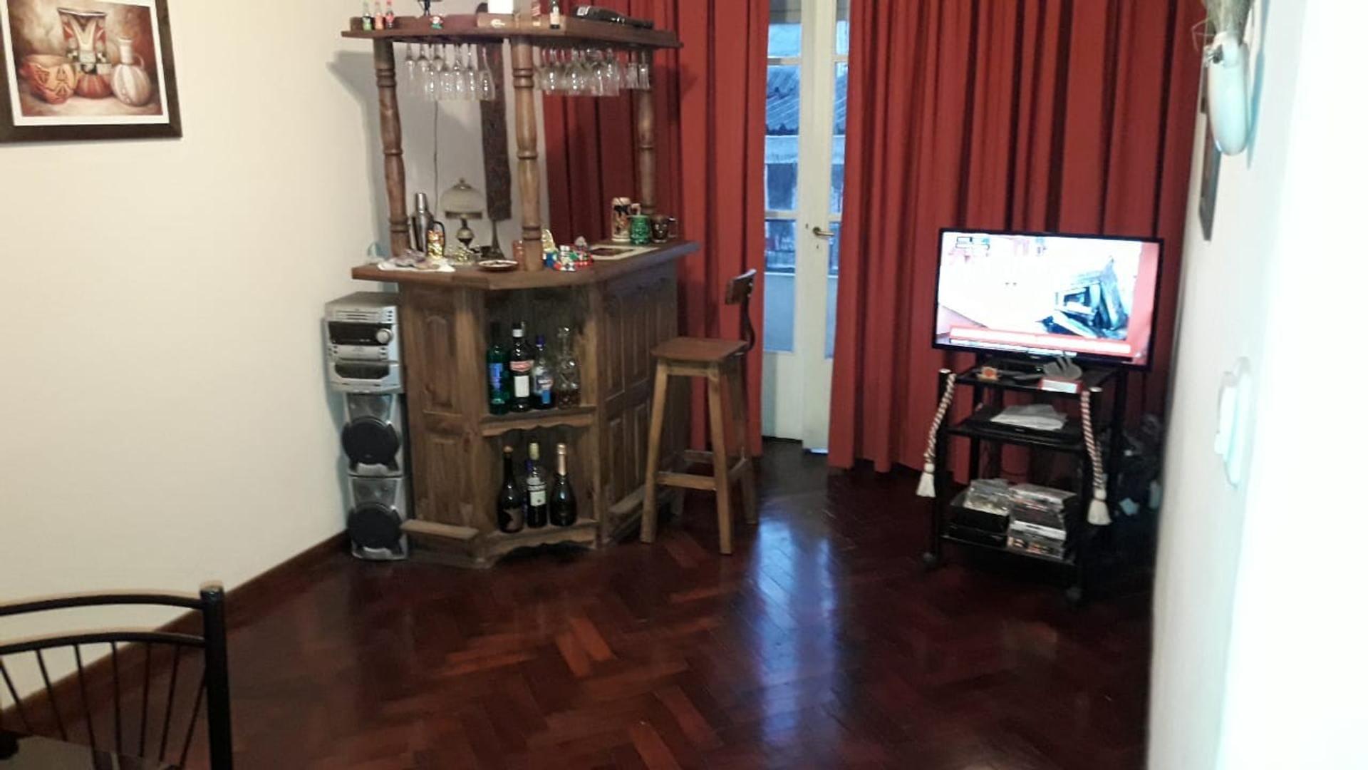 2 ambientes 50 m2 * FIGUEROA PROPIEDADES *