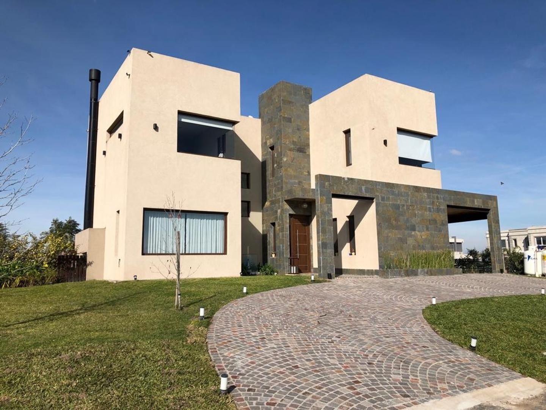 Casa en Venta en Santa Rita - 6 ambientes