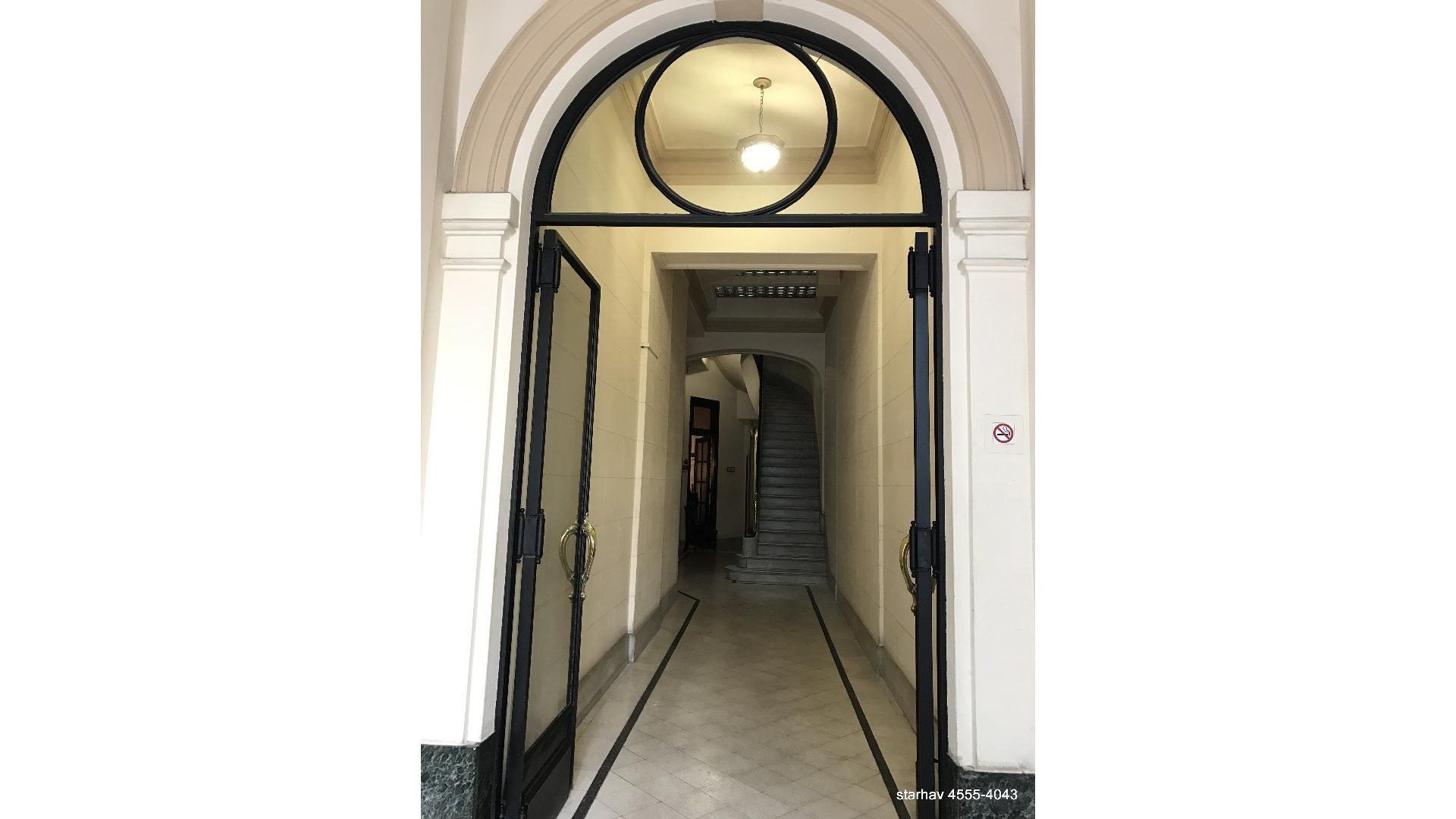 4 amb1 PISO  Fte apto prof  107 m2 con patio a aggiornar