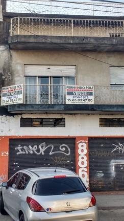 Local de 9 mts de frente sobre avenida importante. OPORTUNIDAD!!!!!!.