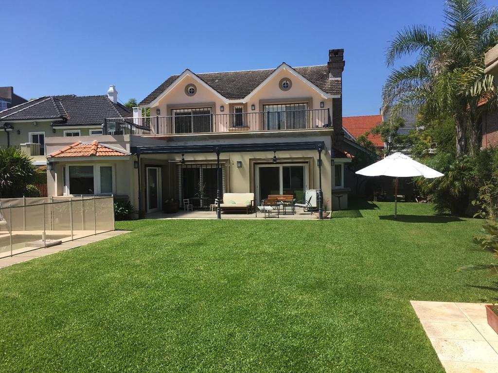 Excelente casa lote 828,17 m2 y cub 460 en Martinez U$S1350000 GABY LOPEZ 4793-8554 1556242499
