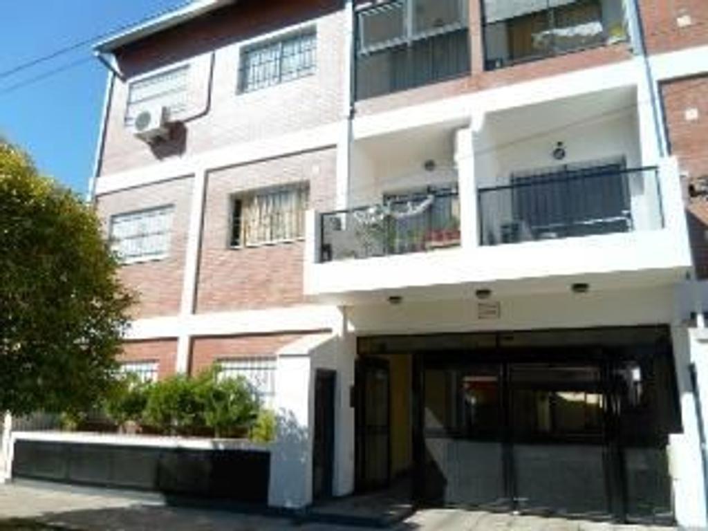 Departamento tipo casa en Venta en Buenos Aires, Pdo. de General San Martin, Villa Ballester