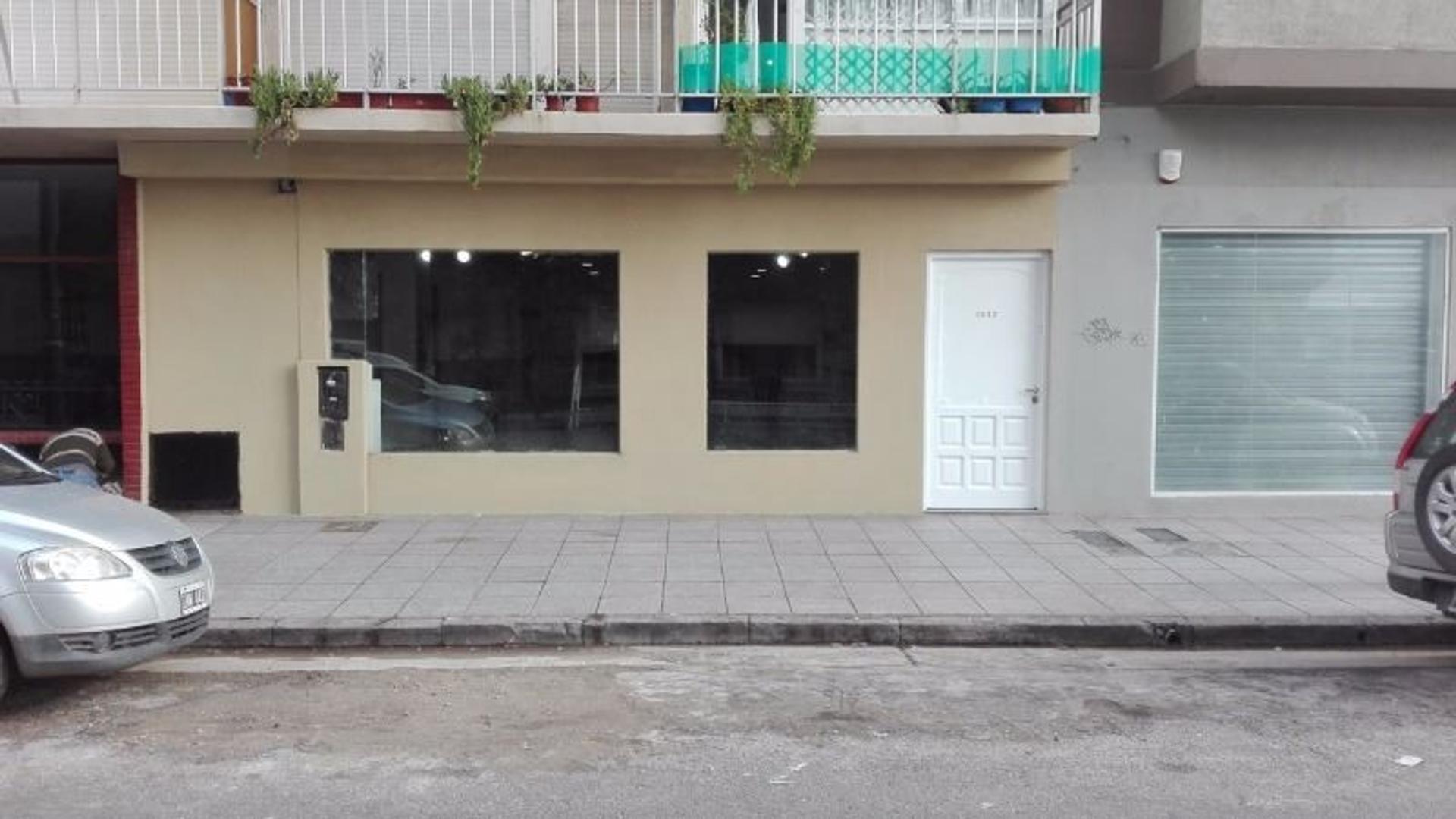 Venta - Local a la calle | Zona Centro | Apto Gastronomía |