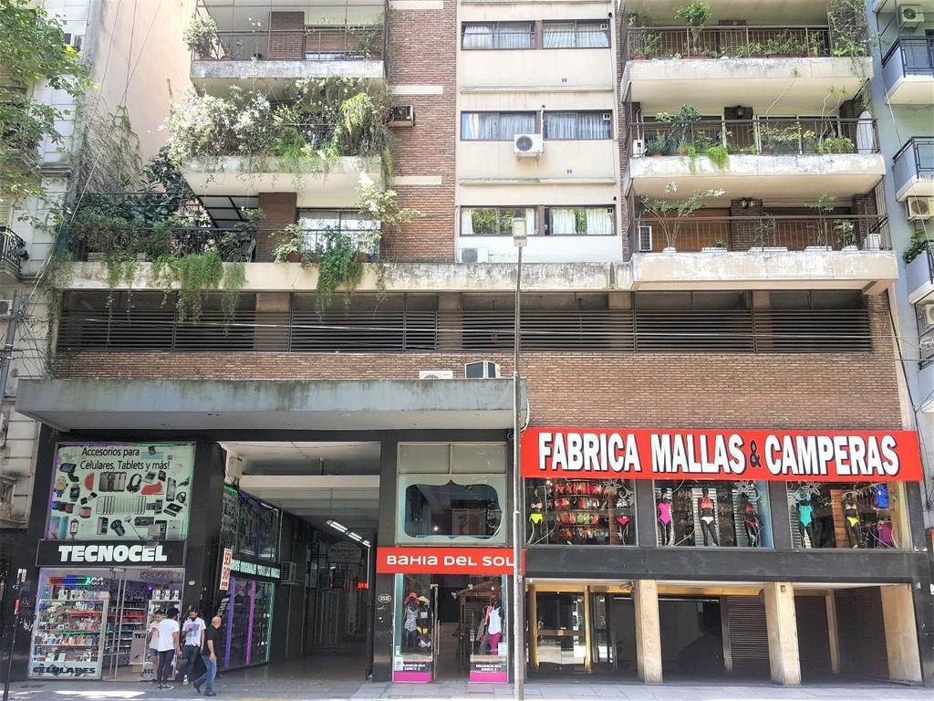 Excelente departamento 4 ambientes con balcón al frente