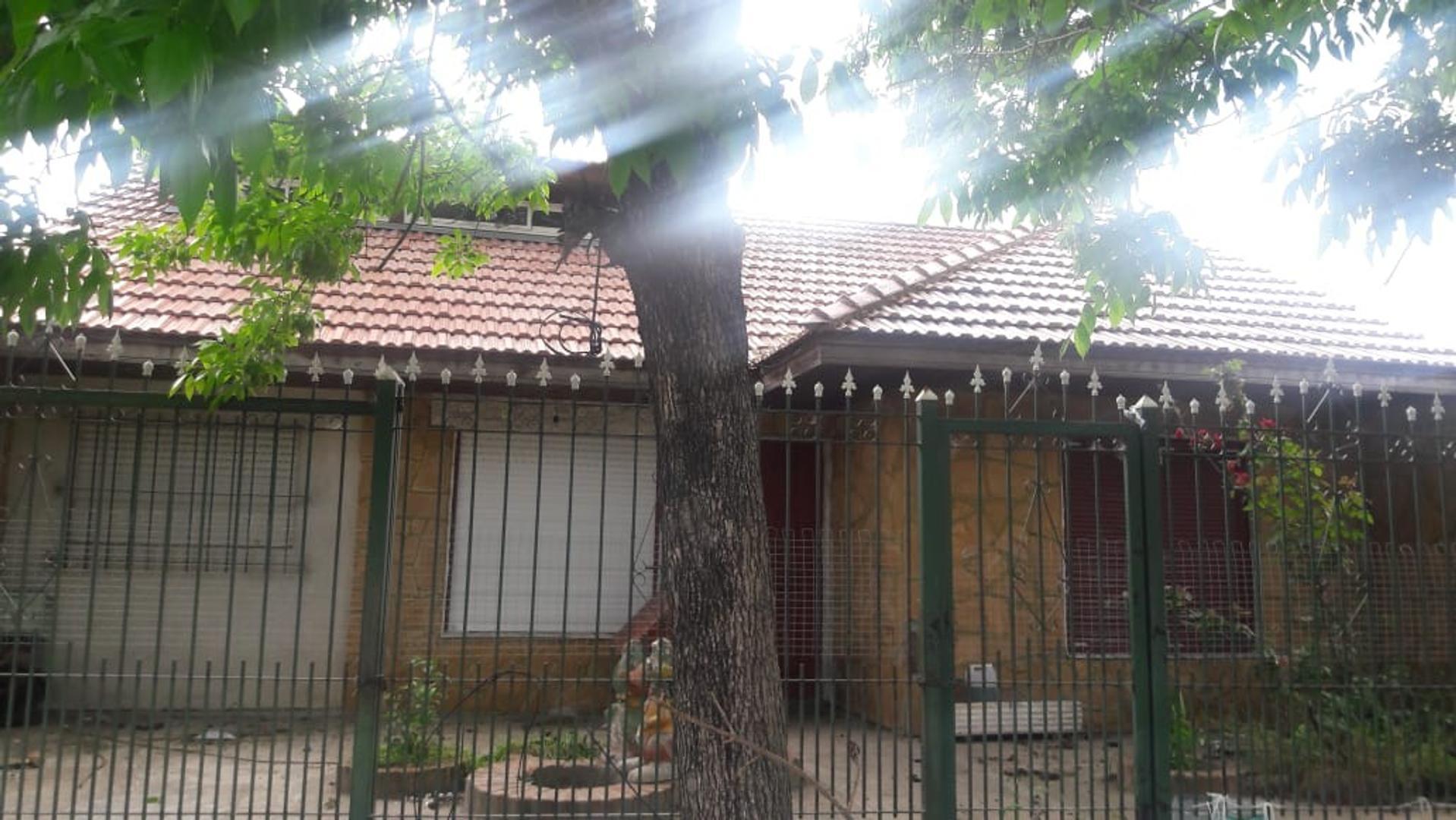 Casa en Venta en Florencio Varela - 4 ambientes