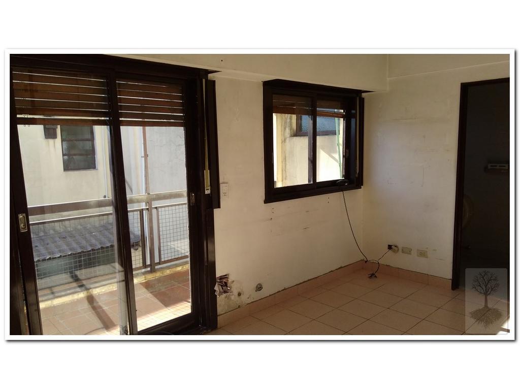 hermoso monoambiente con balcon, muy luminoso, cocina indep, placares