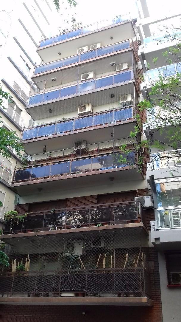 Duplex Piso 8° y 9° al frente con balcon con baulera y cochera.
