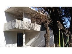 B° El Viejo Vivero calle Diego 2000 Don Torcuato - Casa moderna en construcción - lote de 1045 m2