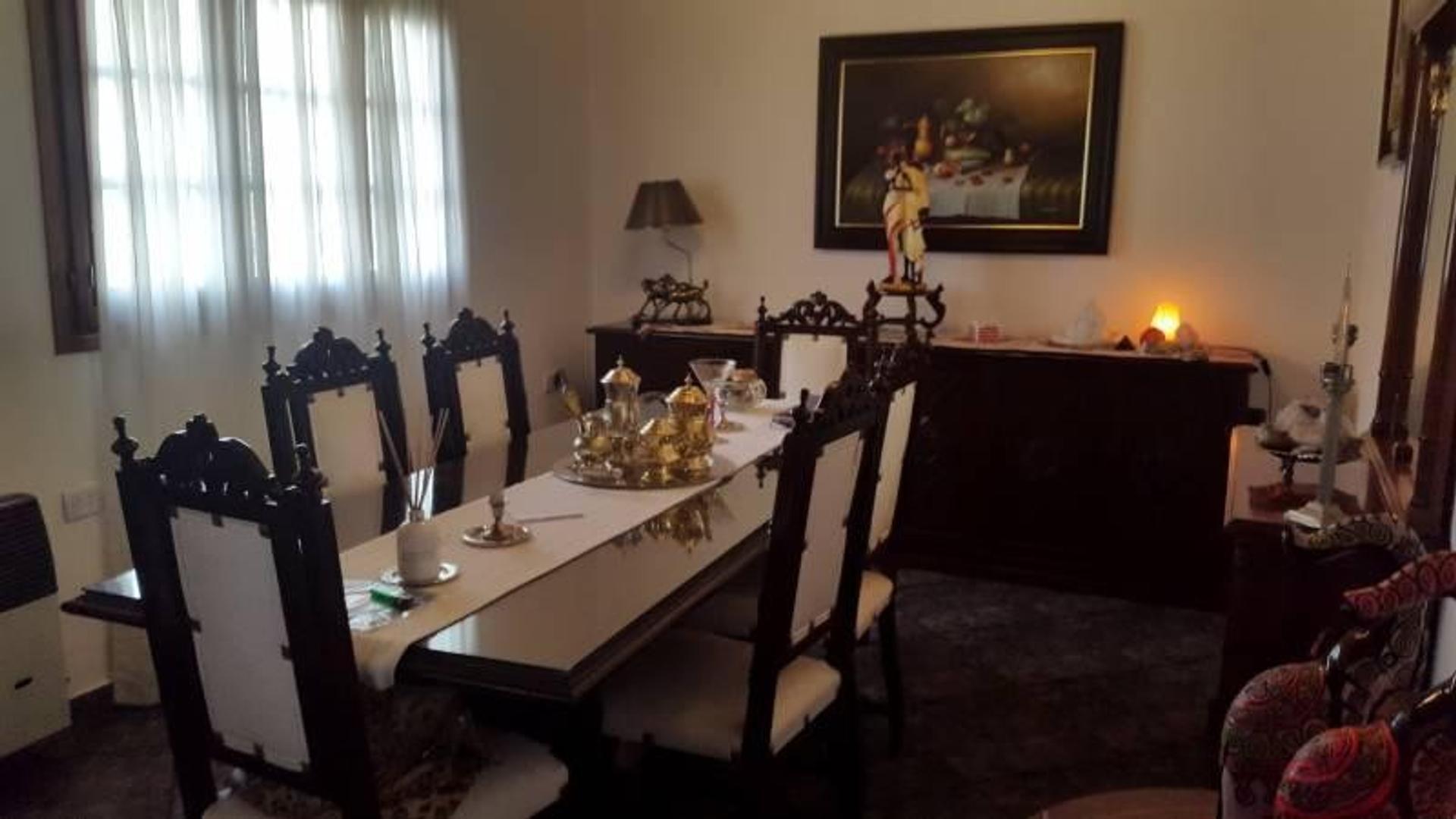 Casa en Venta - 4 ambientes - USD 240.000