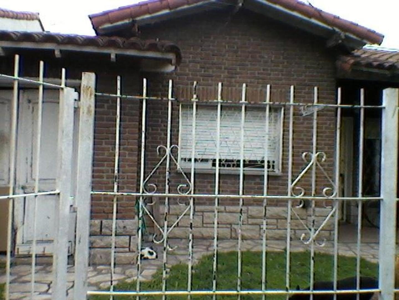 Casa en Villa Luzuriaga, La Matanza, Buenos Aires USD 160000 - BERMUDEZ 3362 (Código: 486-034)