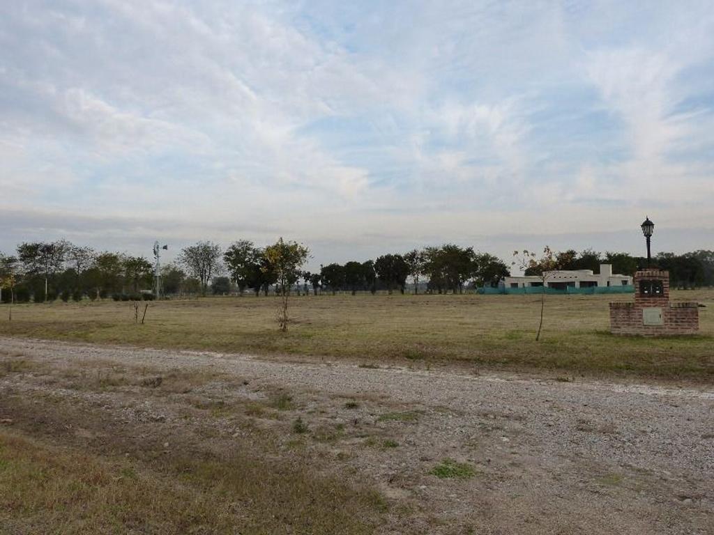 Lote 159 en venta. 2086 m2. Club de Campo La Asunción
