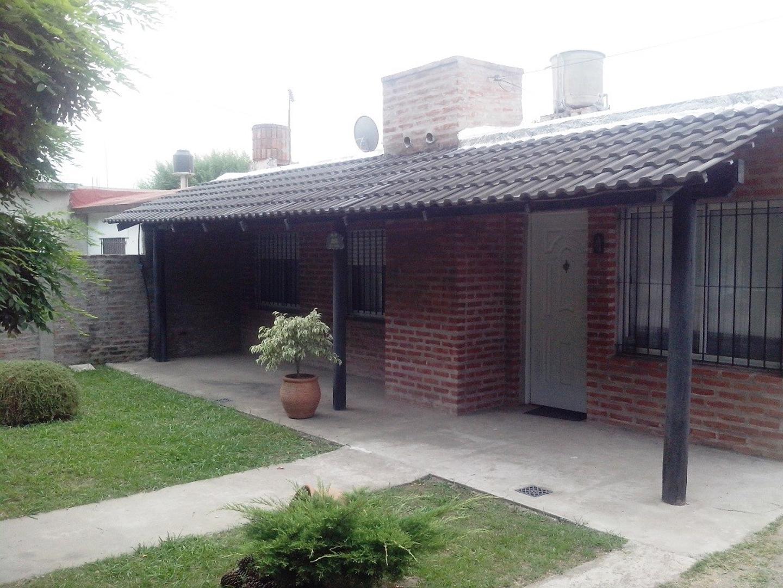 Casa en Venta en Tristan Suarez - 4 ambientes
