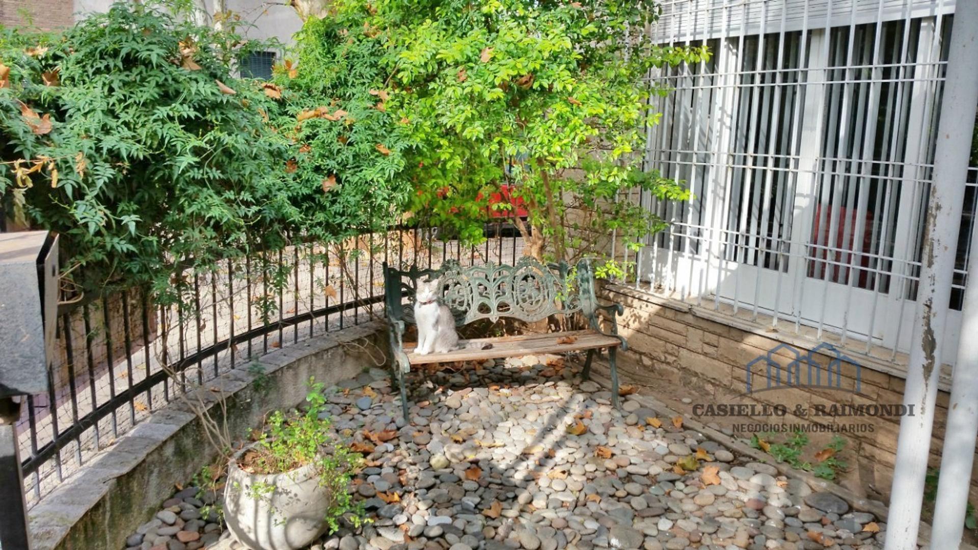 Gral Juan Jose Viamonte 3000 - 12 ambientes