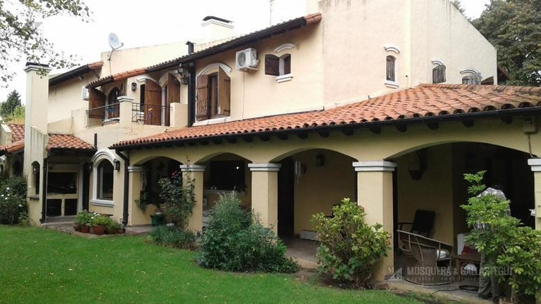 Casa en venta en Lomas-Golf