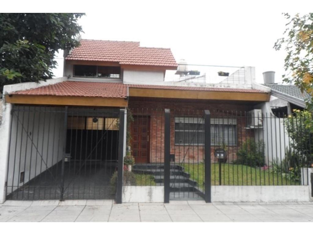 Casa en venta en chascomus 4472 floresta argenprop for Casa de azulejos en capital federal