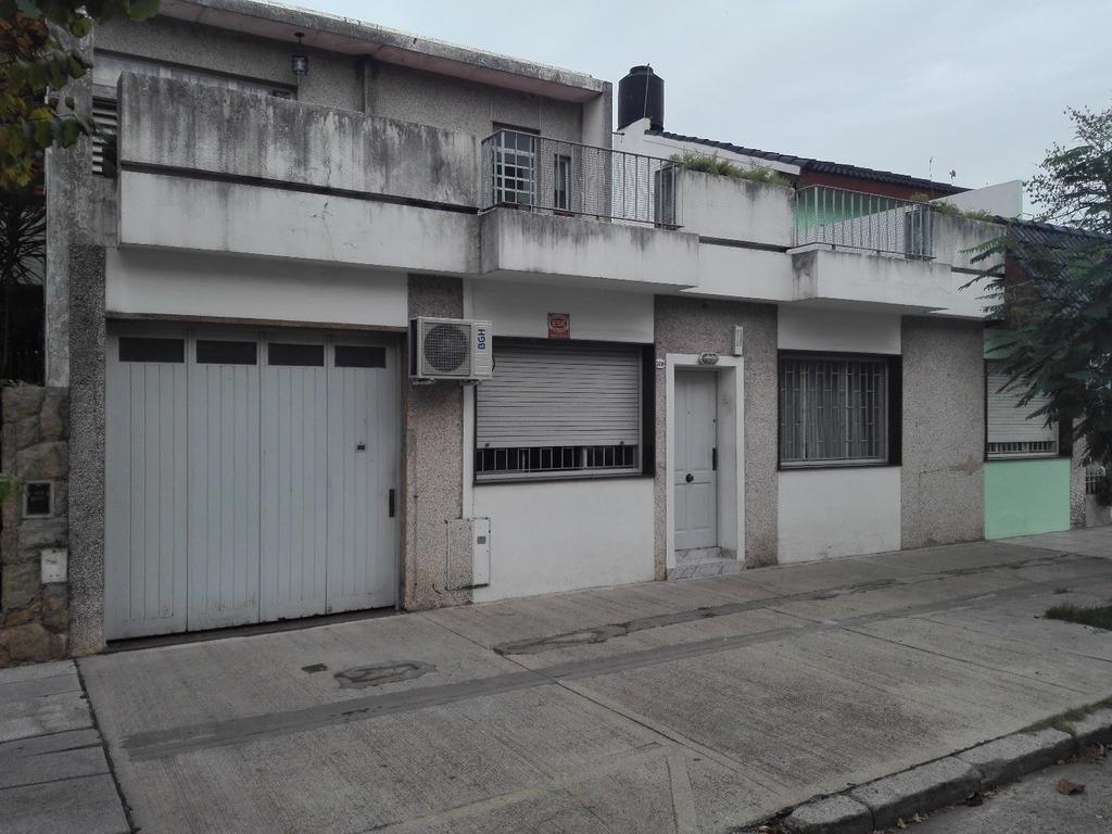 PH 3 AMB CON GARAGE T/EN BAJOS TERRAZA Y PATIO 212M2 TOTALES