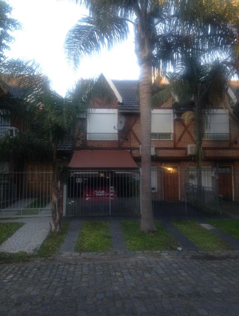 Casa - Venta - Argentina, Ramos Mejía - Esquiu  AL 700