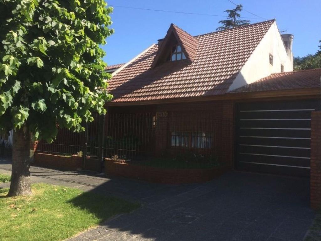 Casa en venta en robinson 1240 jose marmol argenprop for Casas en jose marmol
