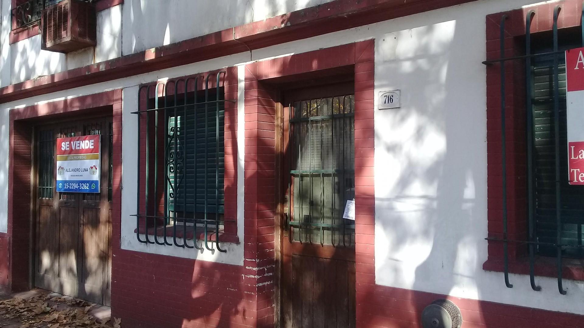 Casa en Venta en Banfield - 5 ambientes