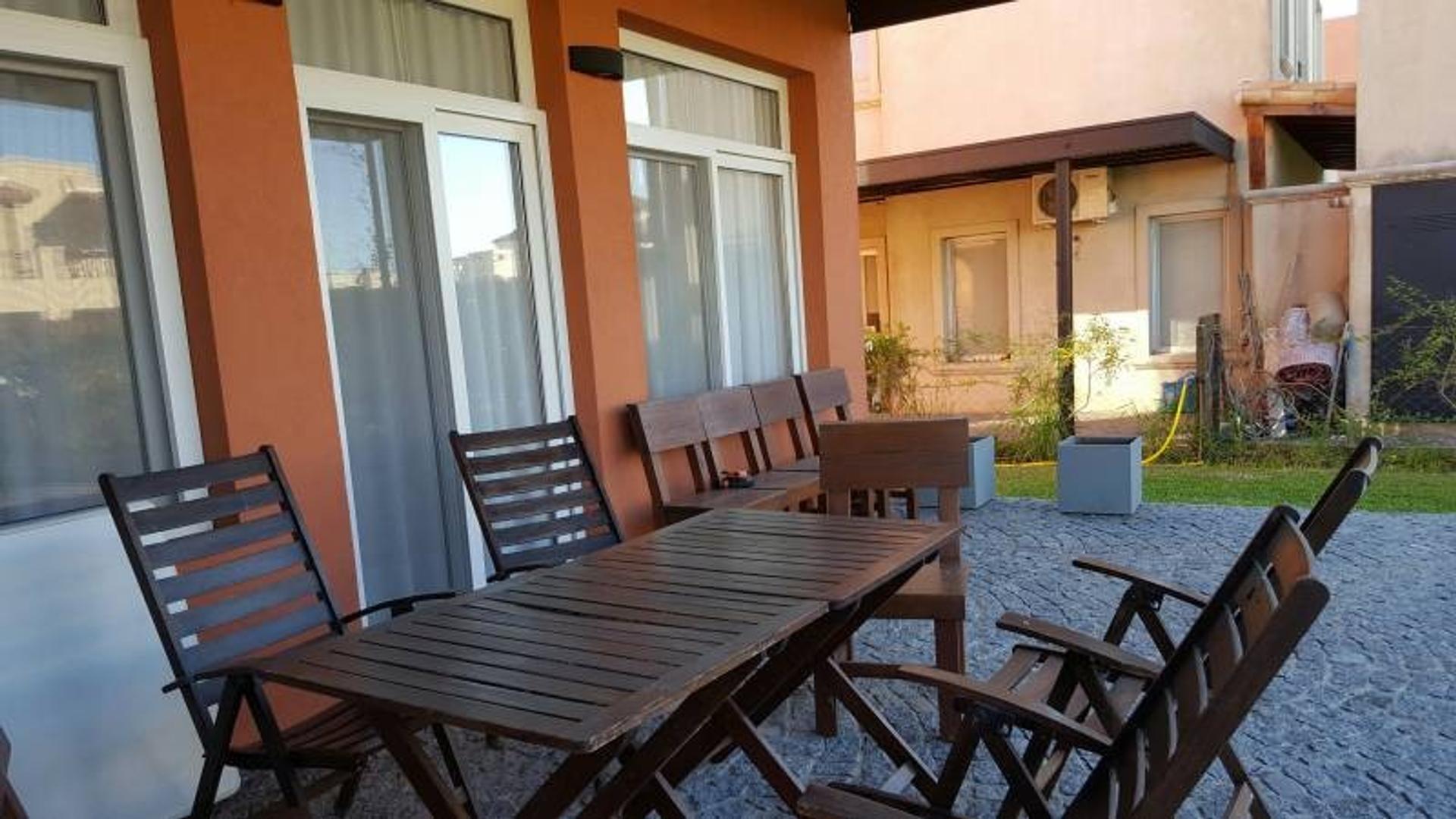 Impecable casa en venta, Los Alisos,  Nordelta