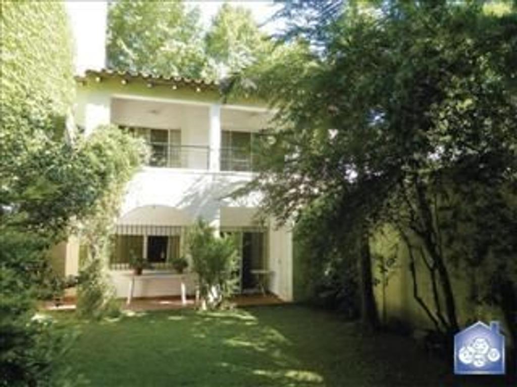 Casa en venta en san blas 2379 villa general mitre for Casa de azulejos en capital federal