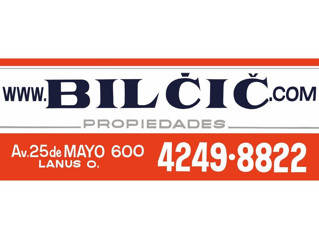 CASA 2 AMB. CON GRAN PARQUE Y ENTRADA DE VEHICULO