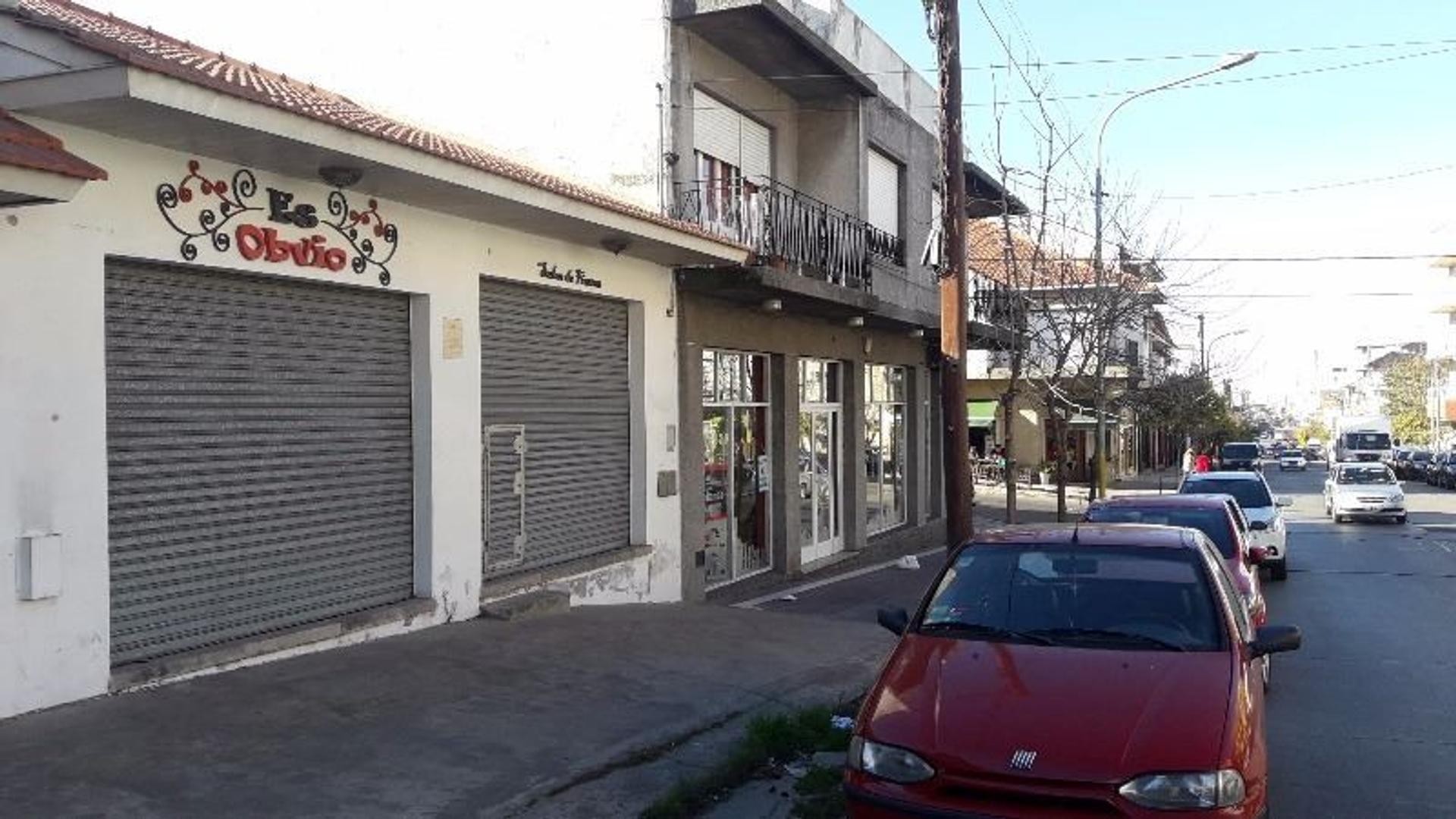 Excelente Oportunidad de Inversión - Local con renta sobre calle 12 de Octubre