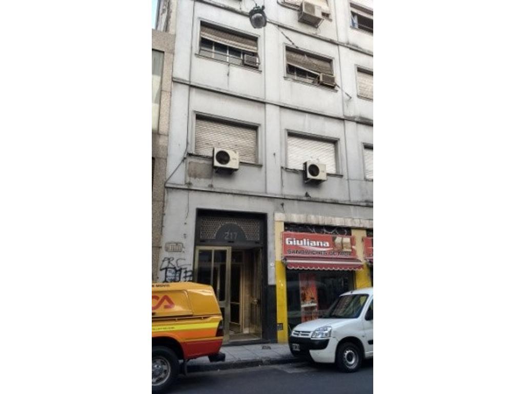 Luminosas oficinas en Esquina - Muy buen estado - Apto Credito bancario