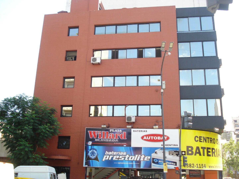 Monserrat Oficina 65 m2 sobre Av. Independencia