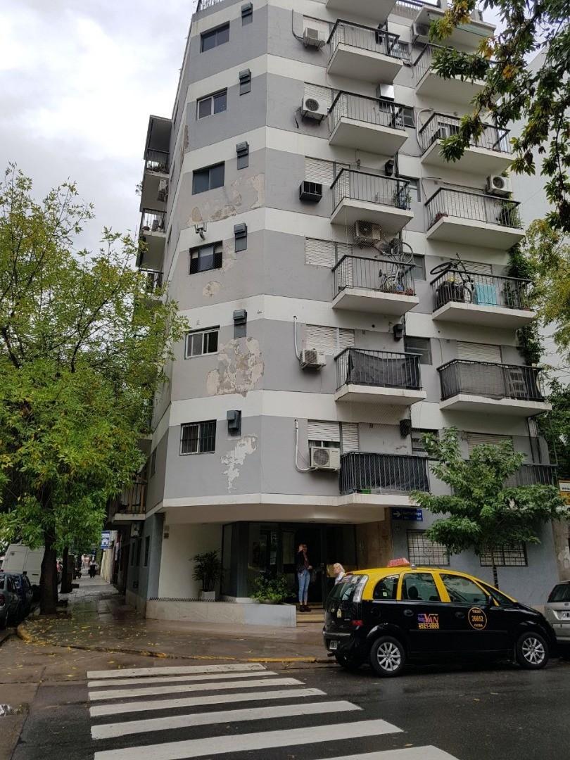 Palermo 2 ambientes al frente con balcon