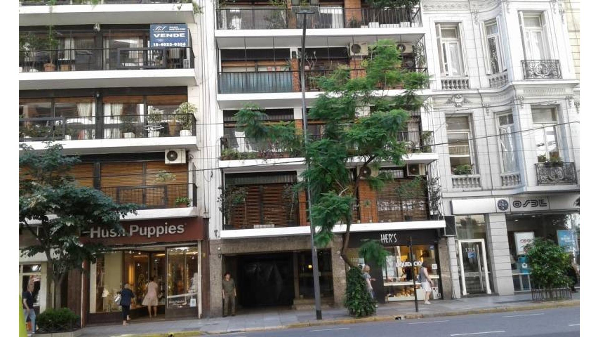 3 amb balcon a metros Av Santa Fe en Barrio Norte.