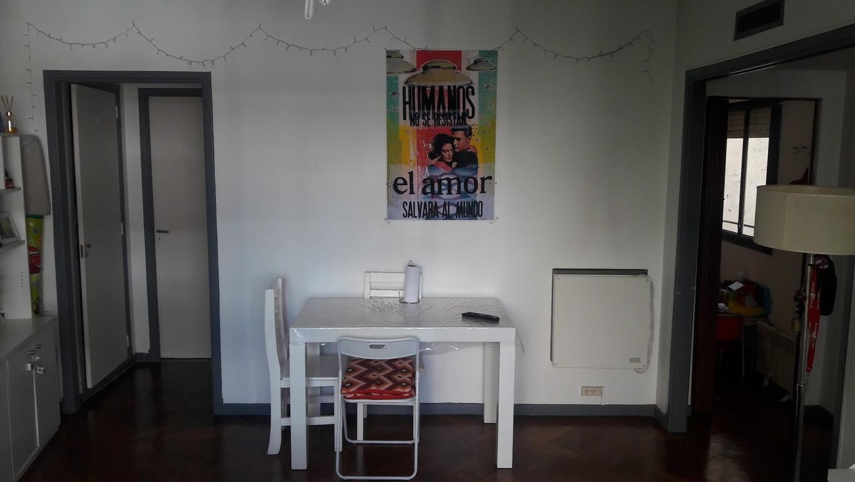2 amb. amplios 4º al frente 45 m2, super luminoso, cocina y baño completos, muy buen estado