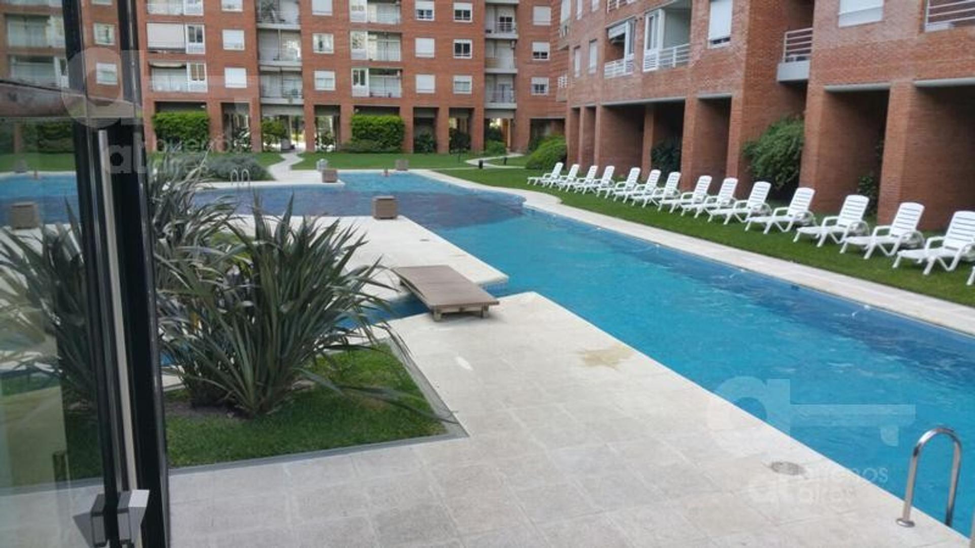 Nuñez. Departamento 2 ambientes con balcón. Alquiler temporario sin garantías.